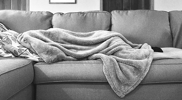 sleep-weightloss-quality-how-to-help-couch-bed-priority-hypoxi-blog